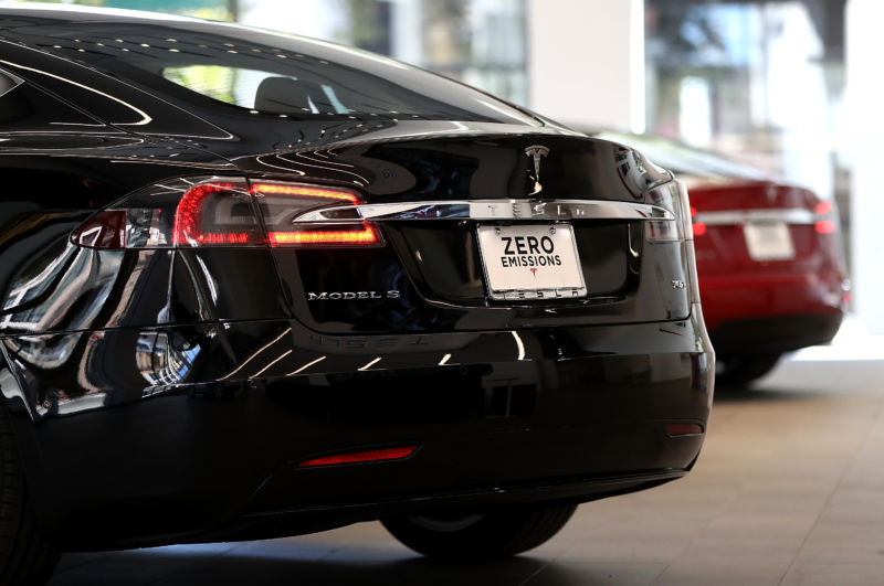 A Tesla Model S is displayed inside the new Tesla flagship facility on August 10, 2016 in San Francisco, California.