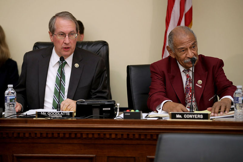 House Judiciary Committee Chairman Bob Goodlatte (R-Va.) (L) and ranking member Rep. John Conyers (D-Mich.) at a hearing in September. Both supported H.R. 1695, a bill that will come up for a vote today.