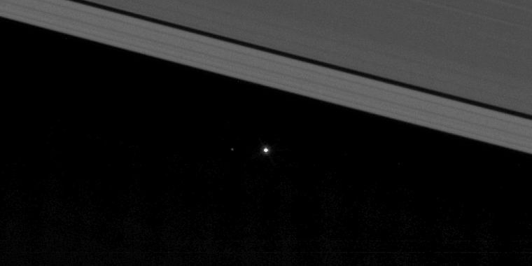 photo image Cassini has taken another spectacular image of its home planet