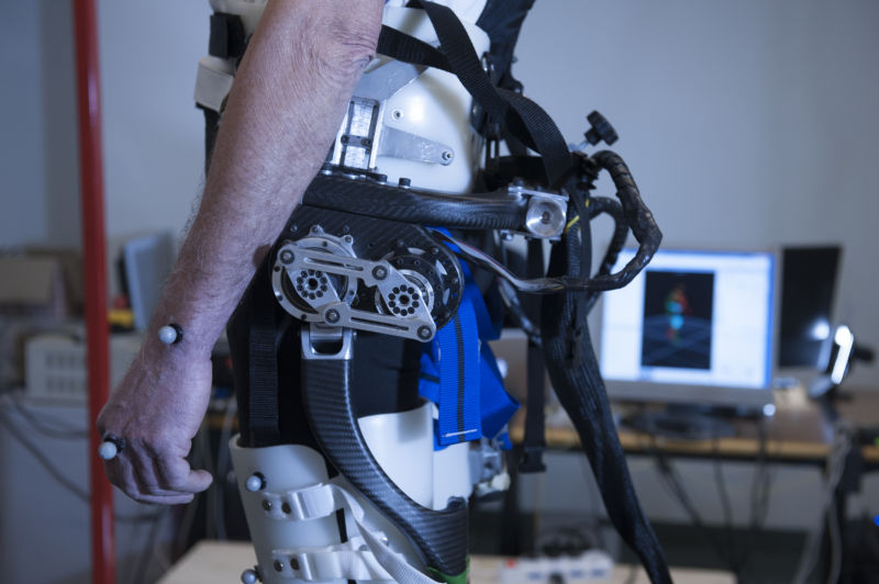 Slip-triggered wearable robot twists elderly people's hips to prevent falls