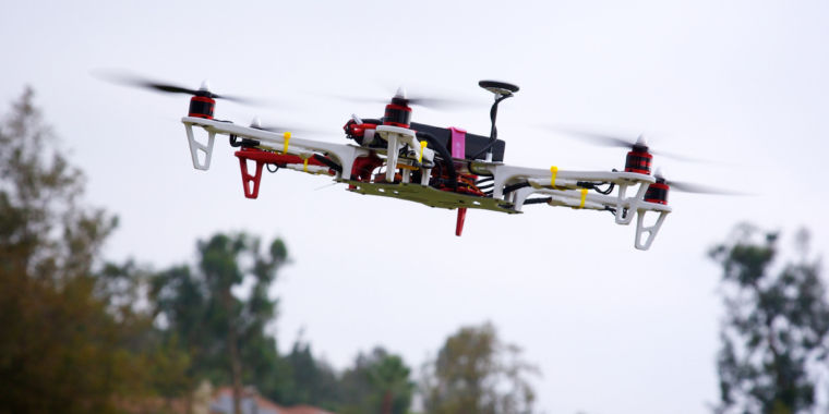 photo image Court ruling nullifies US requirement that hobbyists register drones