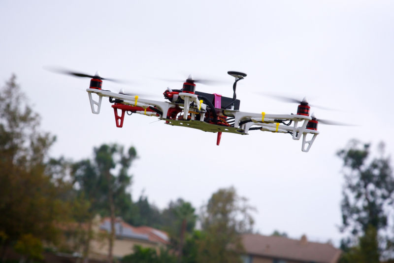 Appeals court strikes down FAA drone registration rule