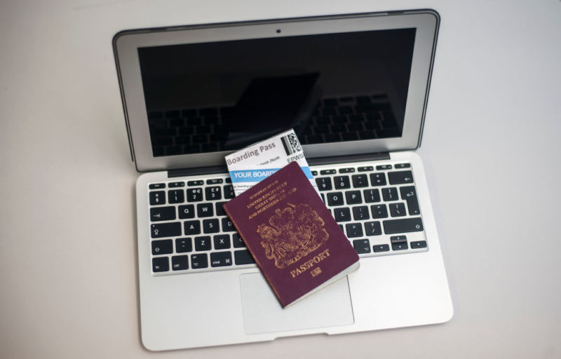 European Union  officials to evaluate airline laptop ban
