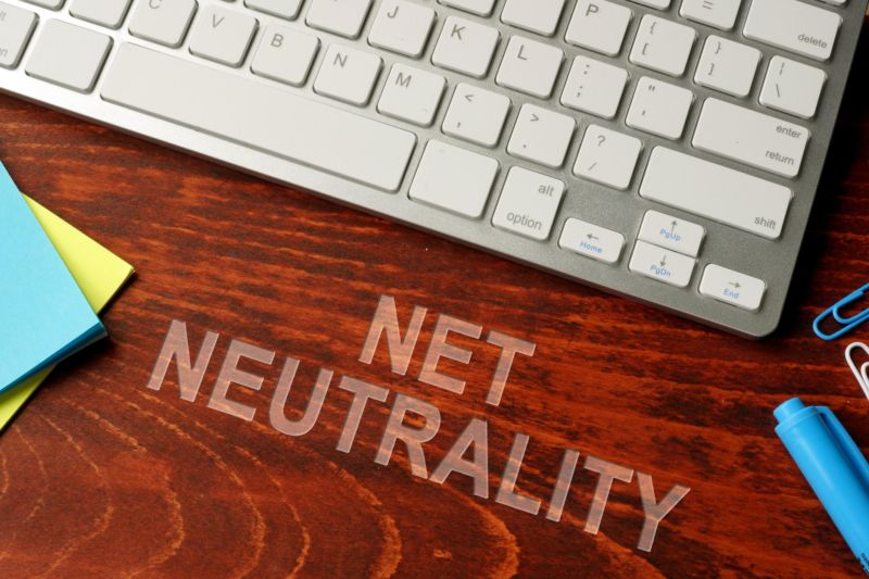 Poll: Americans don't want net neutrality (or maybe they don't know what it is)