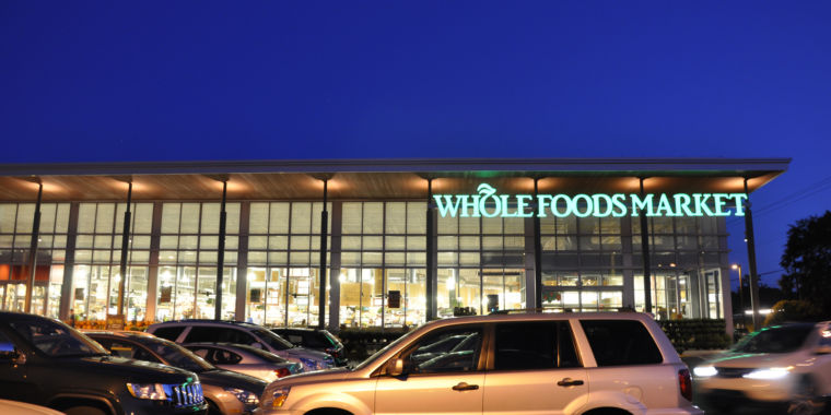 photo image Amazon Prime members to get new discounts at Whole Foods