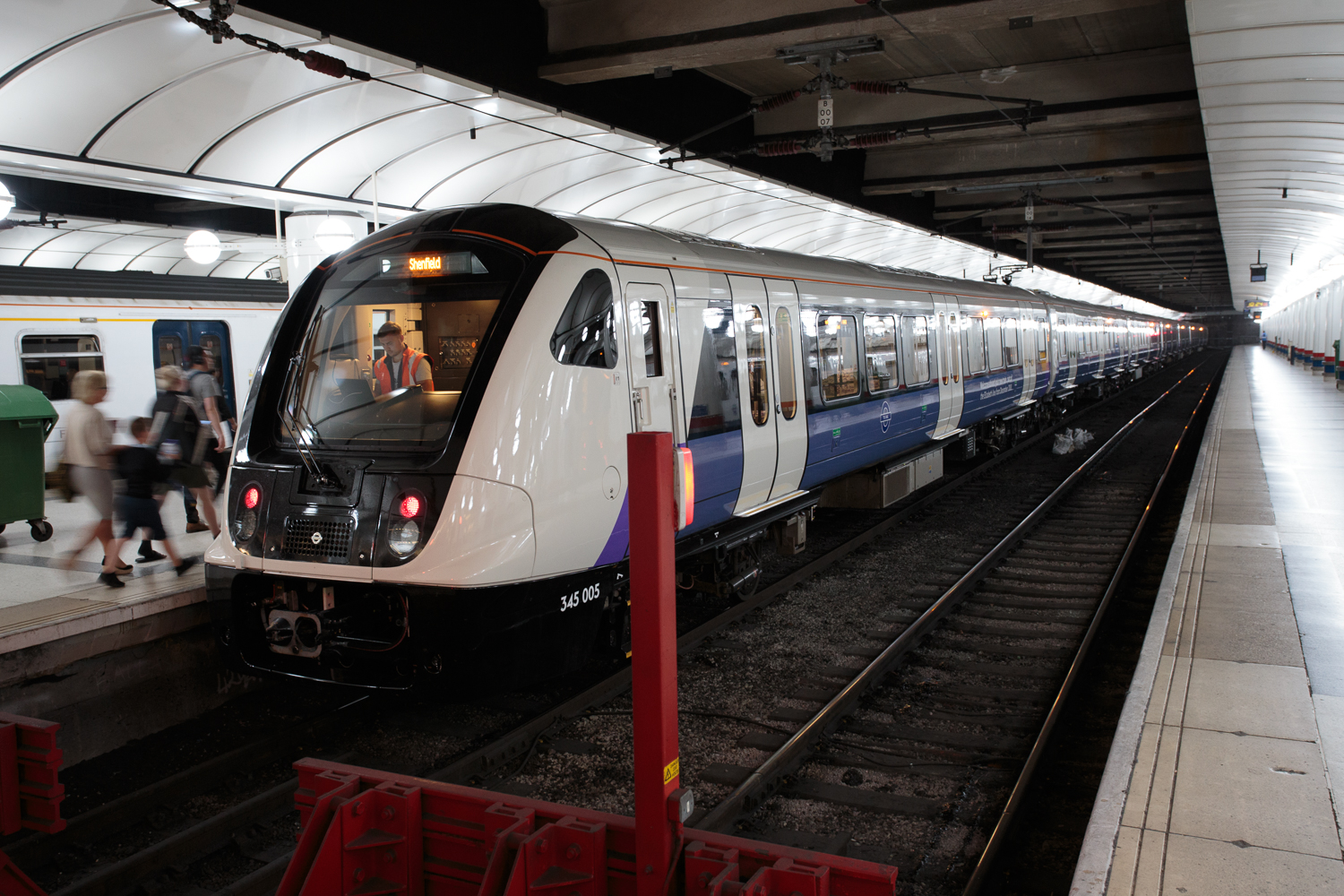 My first ride on the Elizabeth line | Ars Technica