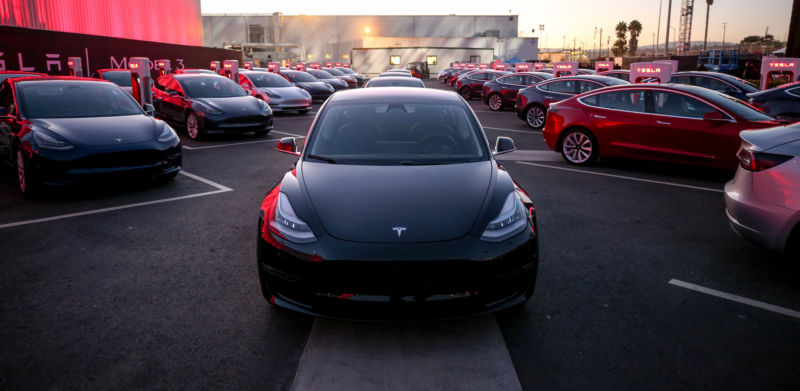 Tesla pushes out 9,766 Model 3s in Q1 2018, sets ambitious Q2 goal