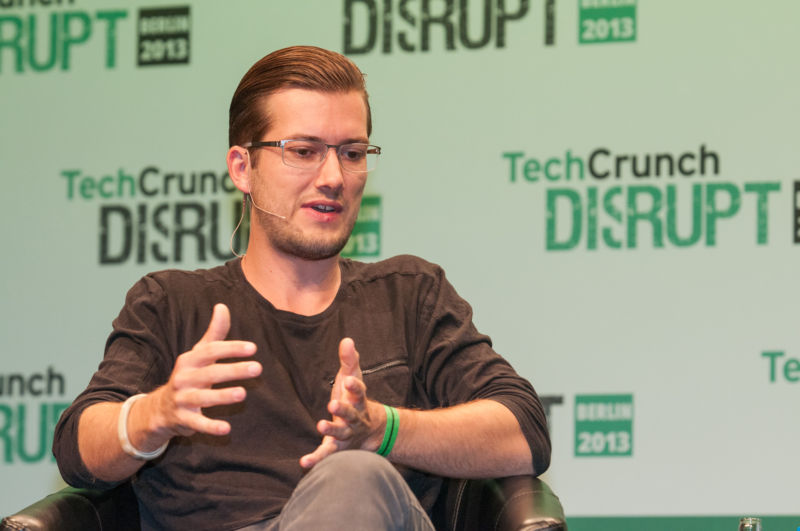 Alexander Ljung, co-founder of SoundCloud, will step aside as CEO.
