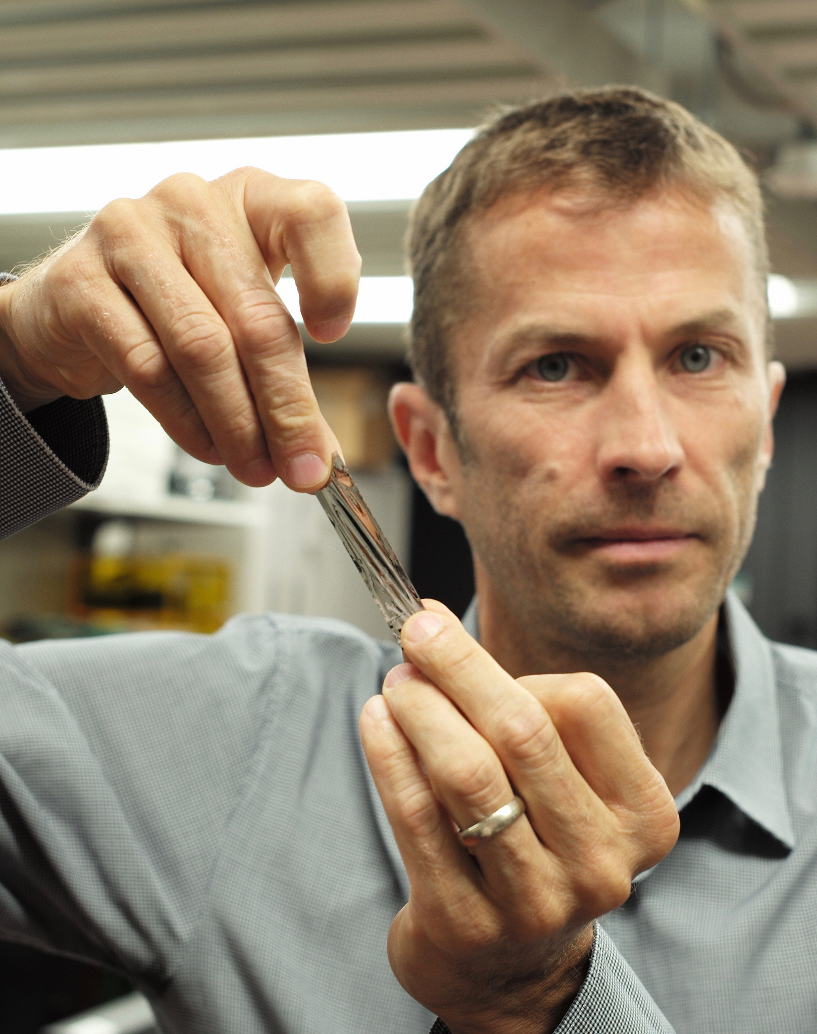 Ibm and sony cram up to 330 terabytes into tiny tape cartridge enlarge ibms mark lantz holding one square inch of the new super dense magnetic tape sony can squeeze more than a kilometre of tape inside a cartridge urmus Image collections