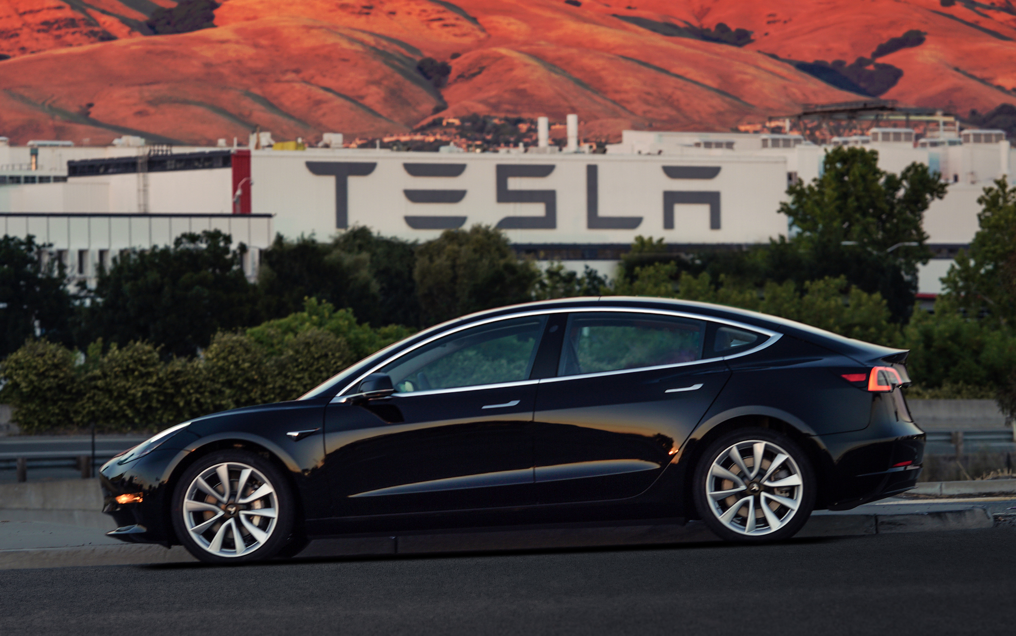 tesla model 3 numbers disappoint again but tesla says it s hit a stride ars technica. Black Bedroom Furniture Sets. Home Design Ideas