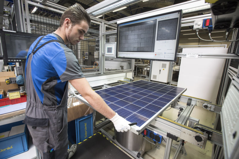 At ITC hearing, two US solar manufacturers ask for tariffs on imported cells