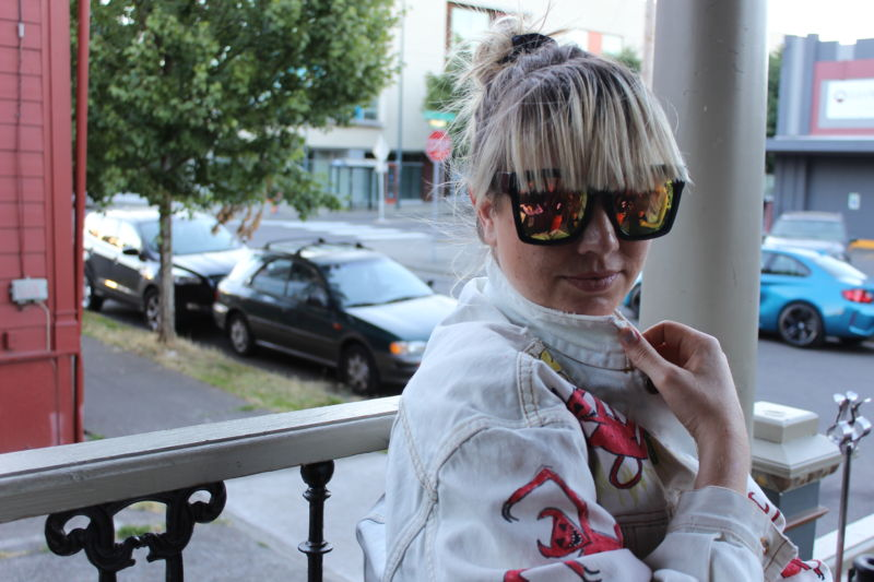 Portland's Erika M. Anderson, better known in experimental-music worlds as EMA, talks to Ars in July 2017.