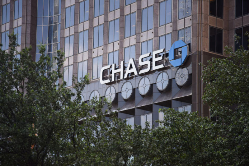 JP Morgan Chase just got a patent on basic app communications