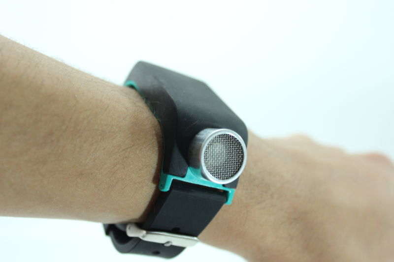 Fitbit for the blind: Echolocation-based smartwatch aids sightless steps