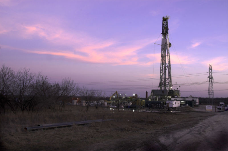 FORT WORTH, Texas:  The Barnett Shale Gas field at dusk, February 27, 2006. XTO Energy Inc. is extracting natural gas at this facility.