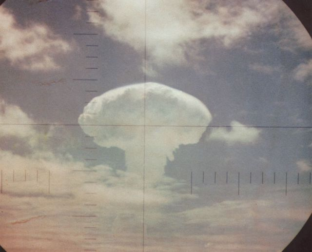 Frigate Bird nuclear explosion (viewed through the periscope of USS <em>Carbonero</em> (SS-337).