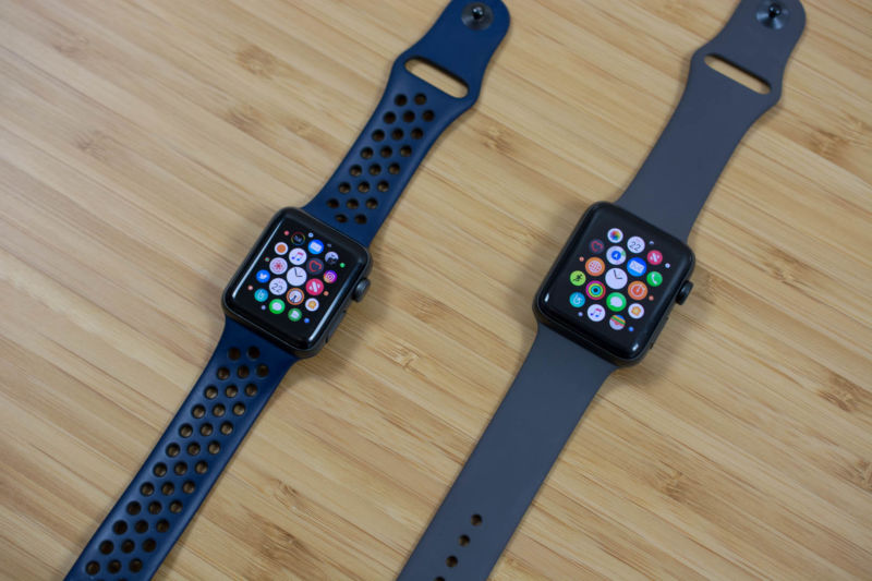 A 38mm Apple Watch Series 2 (left) next to a 42mm Apple Watch Series 3 (right).