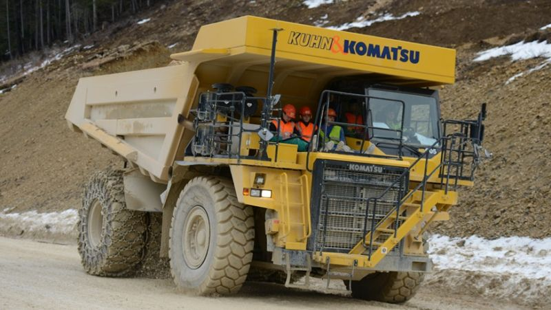 At 50 tons and 700 kilowatt-hours, this truck is the biggest EV in the world