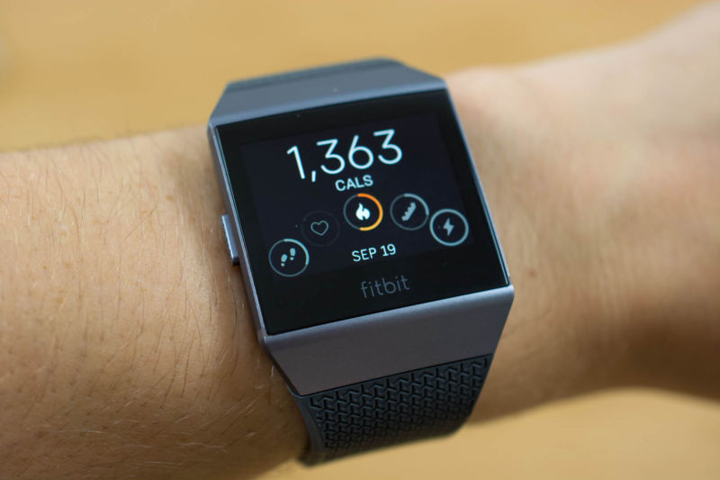 Apple, Fitbit, others work with FDA to pilot digital health software