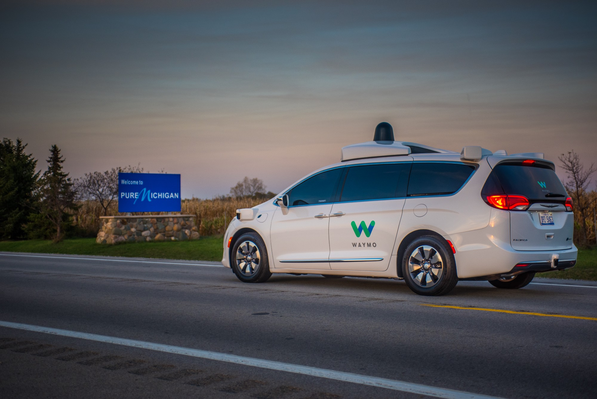 waymo starts testing in michigan to master snow and ice ars technica. Black Bedroom Furniture Sets. Home Design Ideas