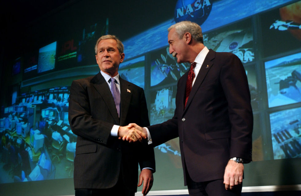 President George W. Bush and NASA Administrator Sean O'Keefe on January 14, 2004, the day the Vision for Space Exploration was announced.