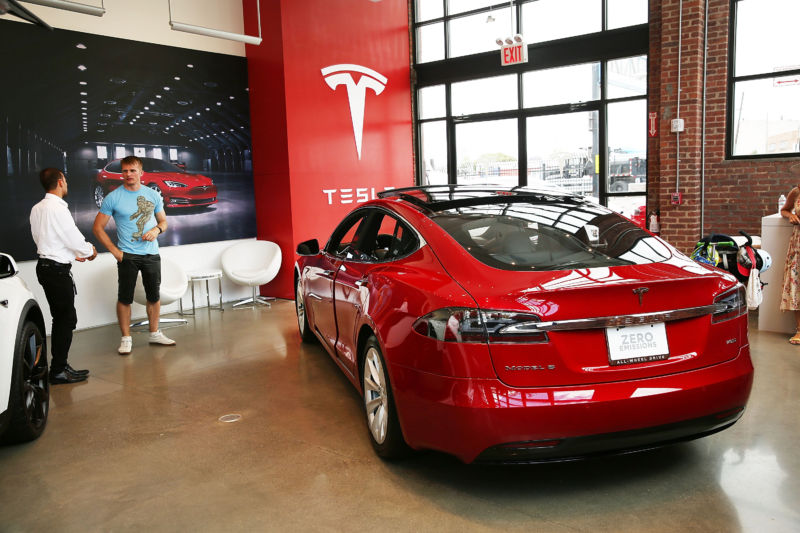 Tesla pushes even more states to upend auto dealer-friendly laws