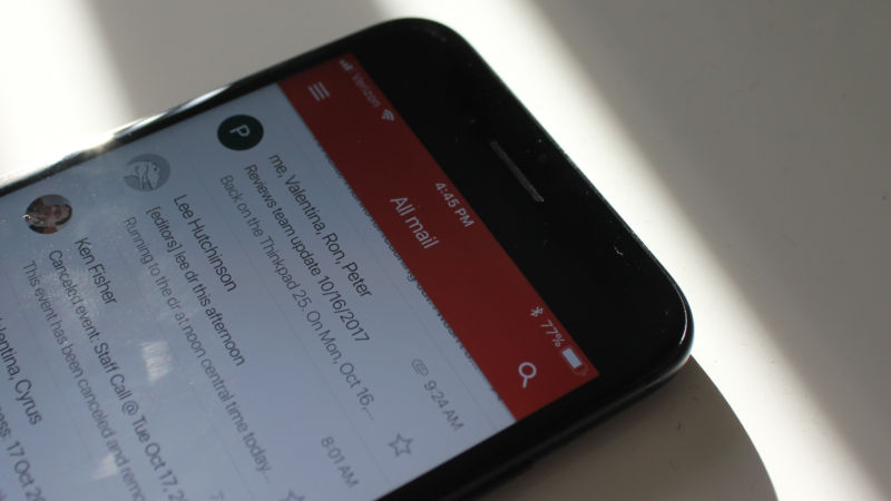 Gmail on iOS might get what Android already had—third-party e-mail support