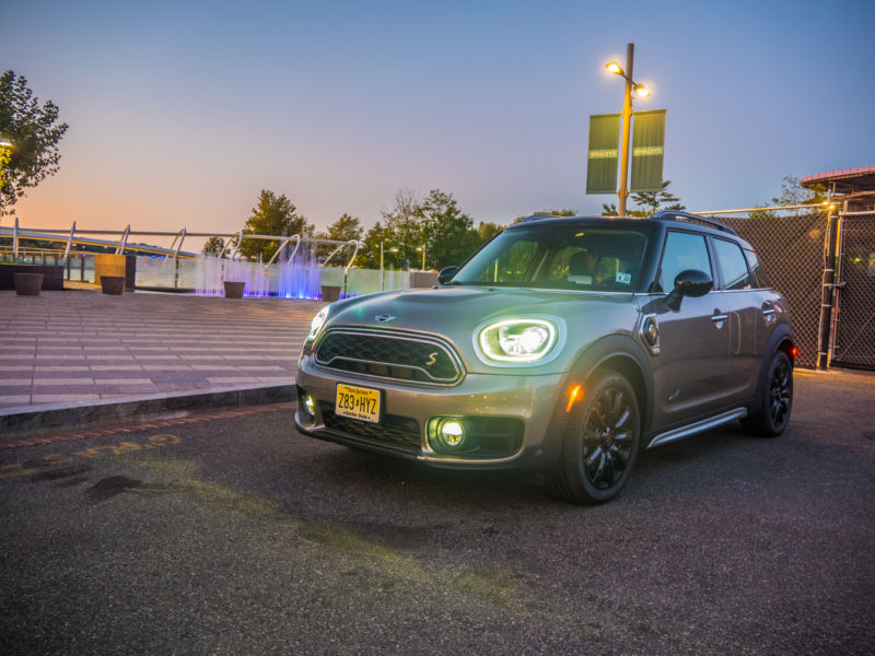 Mini's new Countryman hybrid is hobbled by too-small a battery