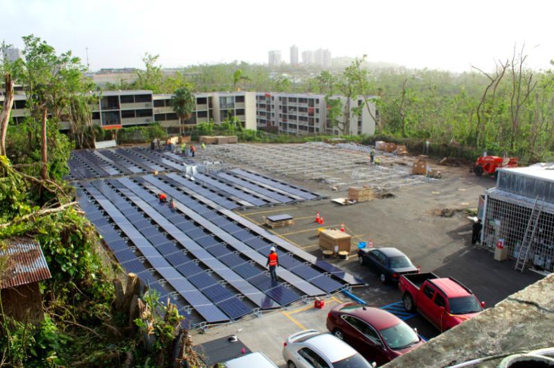 Image of Tesla's solar+storage system outside of Hospital del Niño.