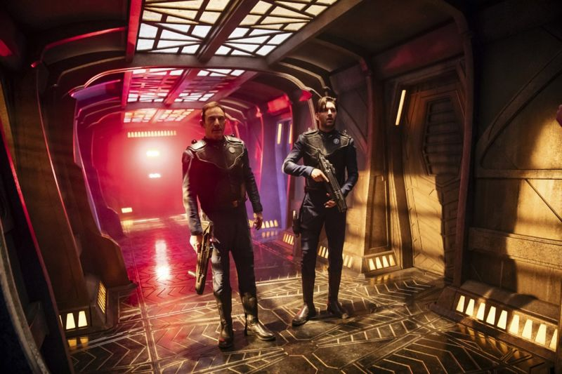 Captain Gabriel Lorca (Jason Isaacs) and Lieutenant Ash Tyler (Shazad Latif).