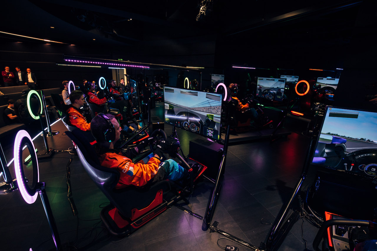the mclaren formula 1 team just hired the world's fastest gamer