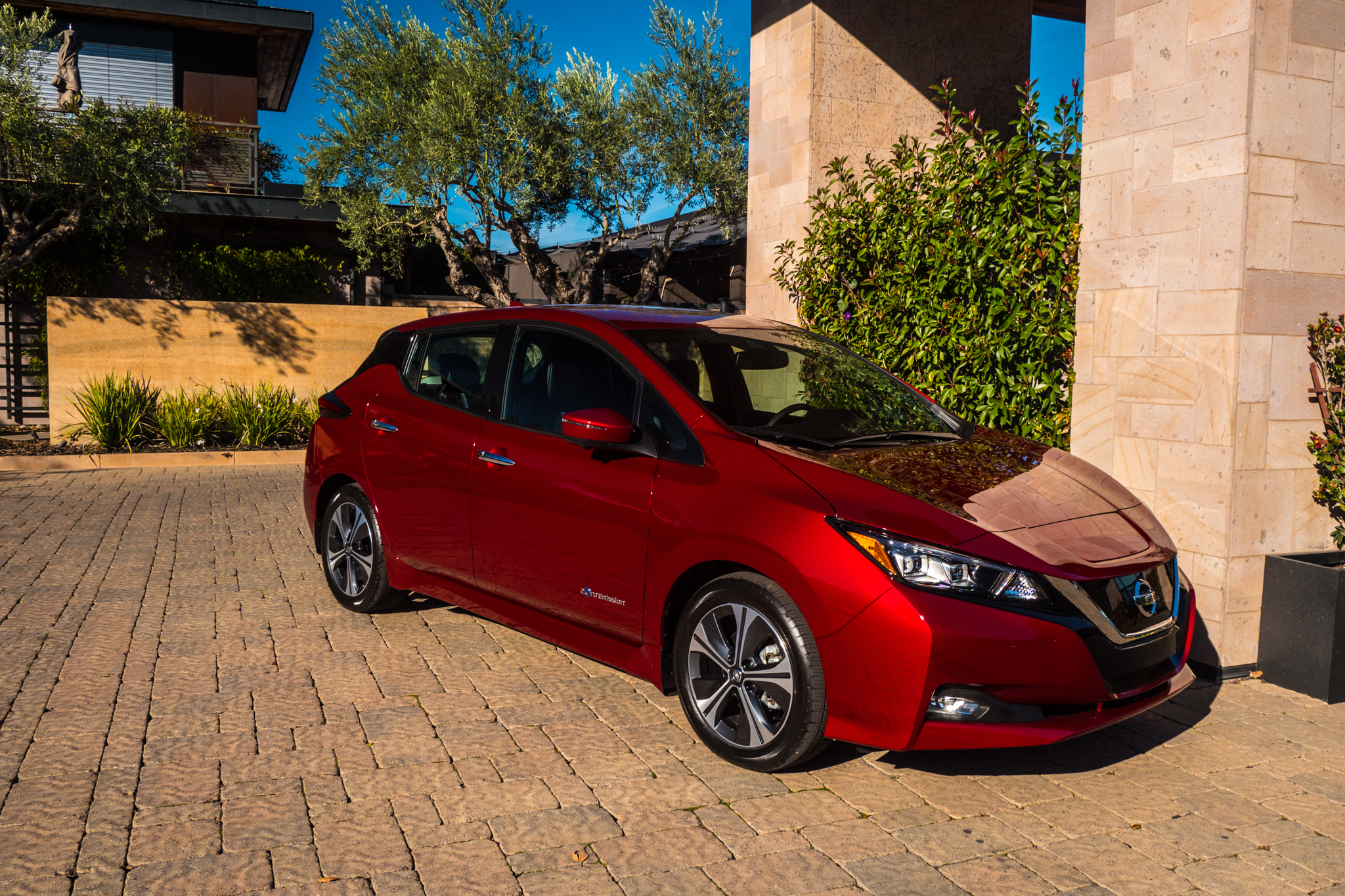 The all new 2018 Nissan Leaf driven