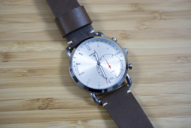 Revisiting Fossil hybrid smartwatches: From curiosity to