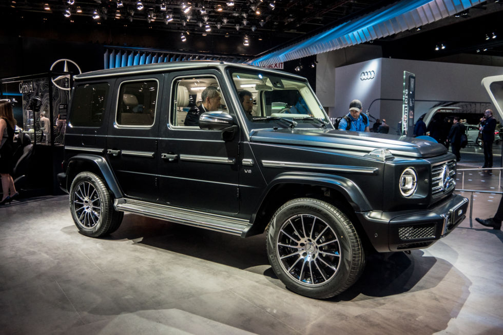 The new 2019 g class mercedes benz reinvents the dinosaur for Mercedes benz boxy suv