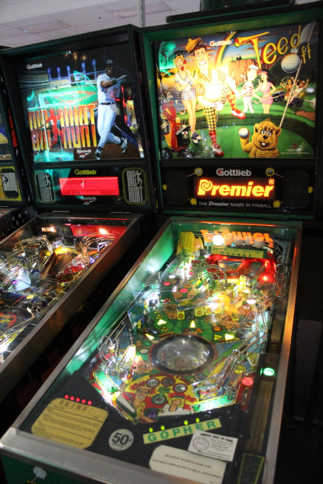 Fixing the past: The art of collecting pinball machines | Ars Technica