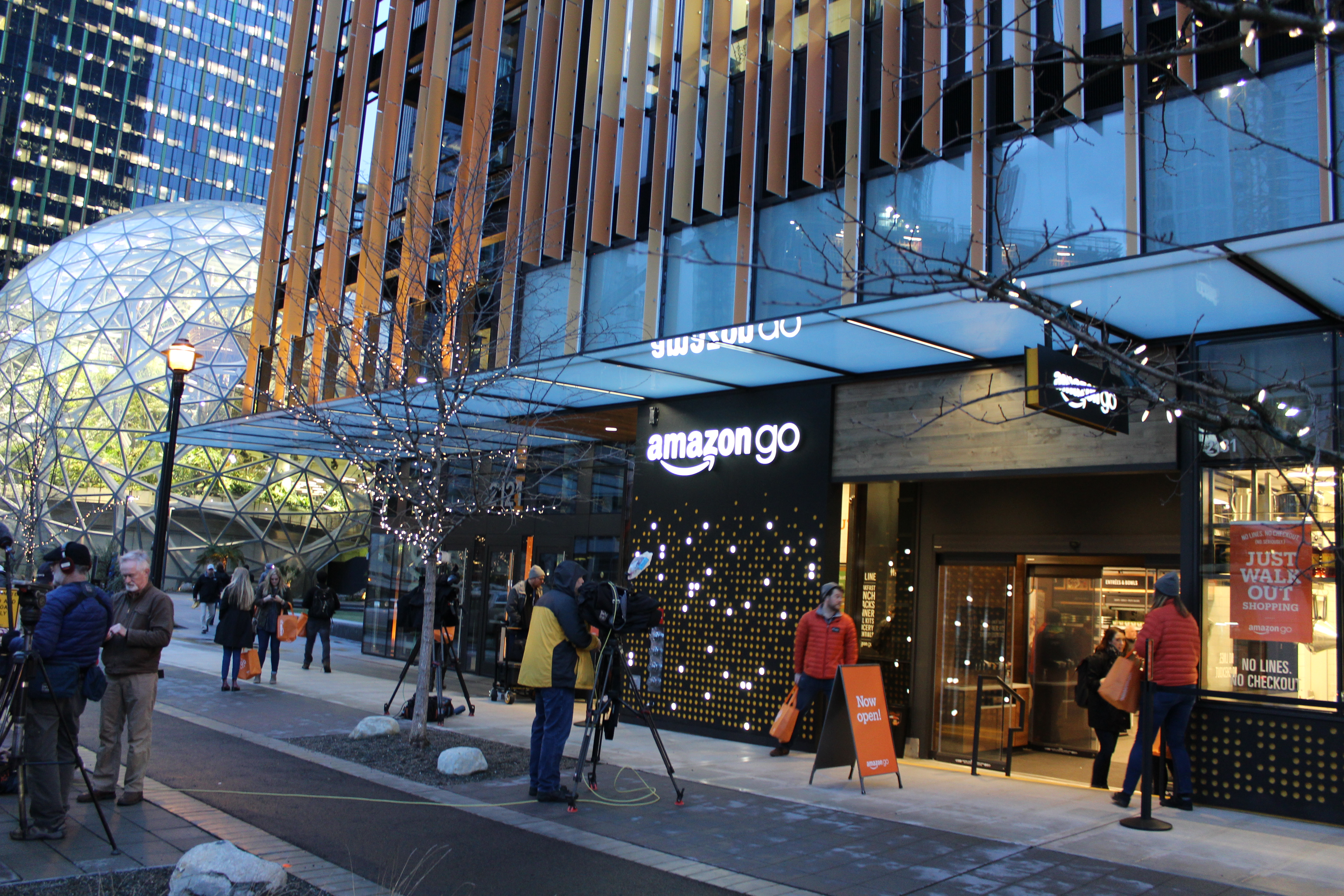 More Amazon Go Stores Are Coming To Seattle And Los Angeles