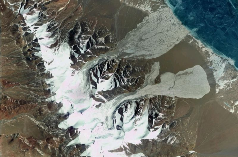 A large portion of these two Tibetan glaciers suddenly collapsed in 2016, breaking apart and sliding downslope.