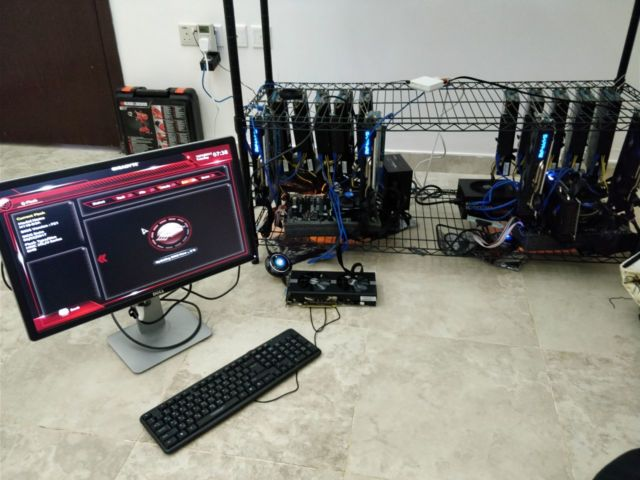 Suleiman Alaquel sent us this picture of his mining rig in Saudi Arabia.
