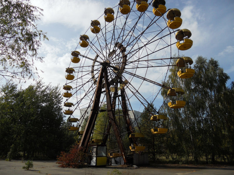 https://cdn.arstechnica.net/wp-content/uploads/2018/01/pripyat-ferris-wheel-800x600.jpg