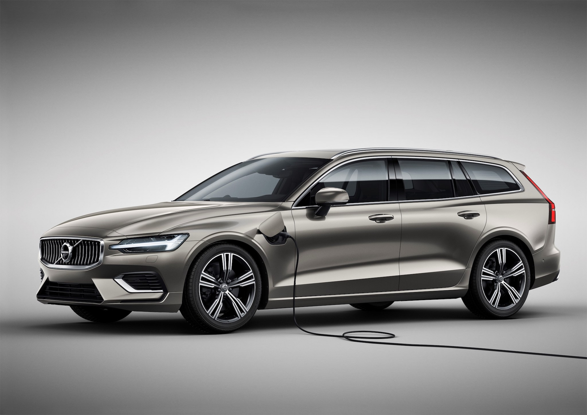 The V60 will have not one but two plug-in hybrid options, with a choice of either 340hp in the T6 or 390hp in the T8.