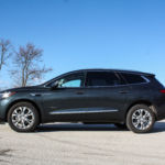 Review Buick Aims High Falls Short With 60 000 Enclave Avenir