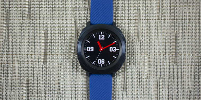 photo image Gear Sport review: The only fitness watch for Samsung die-hards