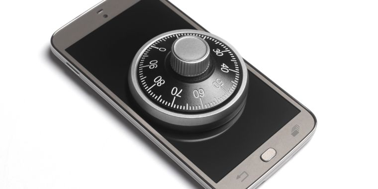 Techmeme Fcc Gives Verizon Permission To Lock Cell Phones To Its