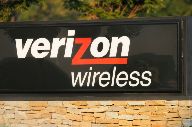 Verizon and a company it bought just paid $614M in biggest FCC fine ever