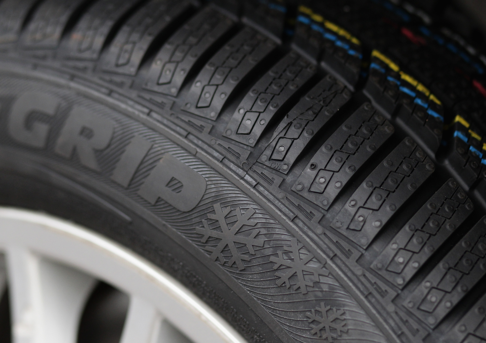 There are snowflake symbols on this tire, but unless it's within a three-peaked mountain outline (see image below) then it doesn't mean anything.
