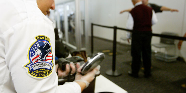 TSA accused of searching domestic travelers' devices with no warrant