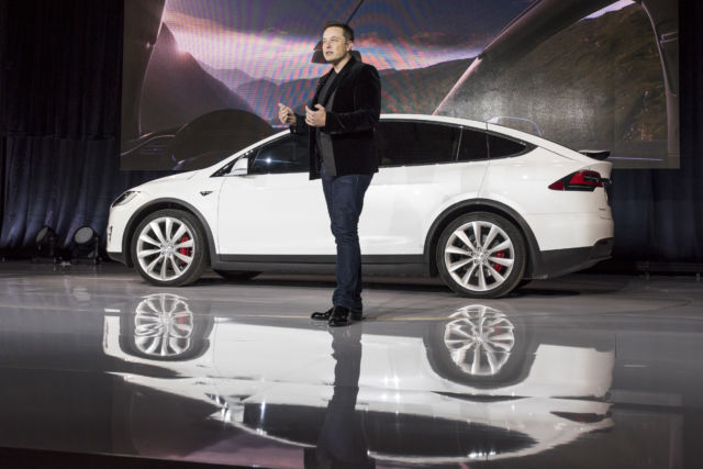 "Elon Musk unveiled the <a href=""https://arstechnica.com/cars/2018/01/teslas-model-x-a-lovely-roadtripper-with-stiff-daily-driving-competition/"">Model X</a> back in 2015."
