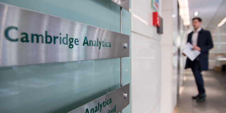Cambridge Analytica shuts down after Facebook user data scandal | Ars Technica