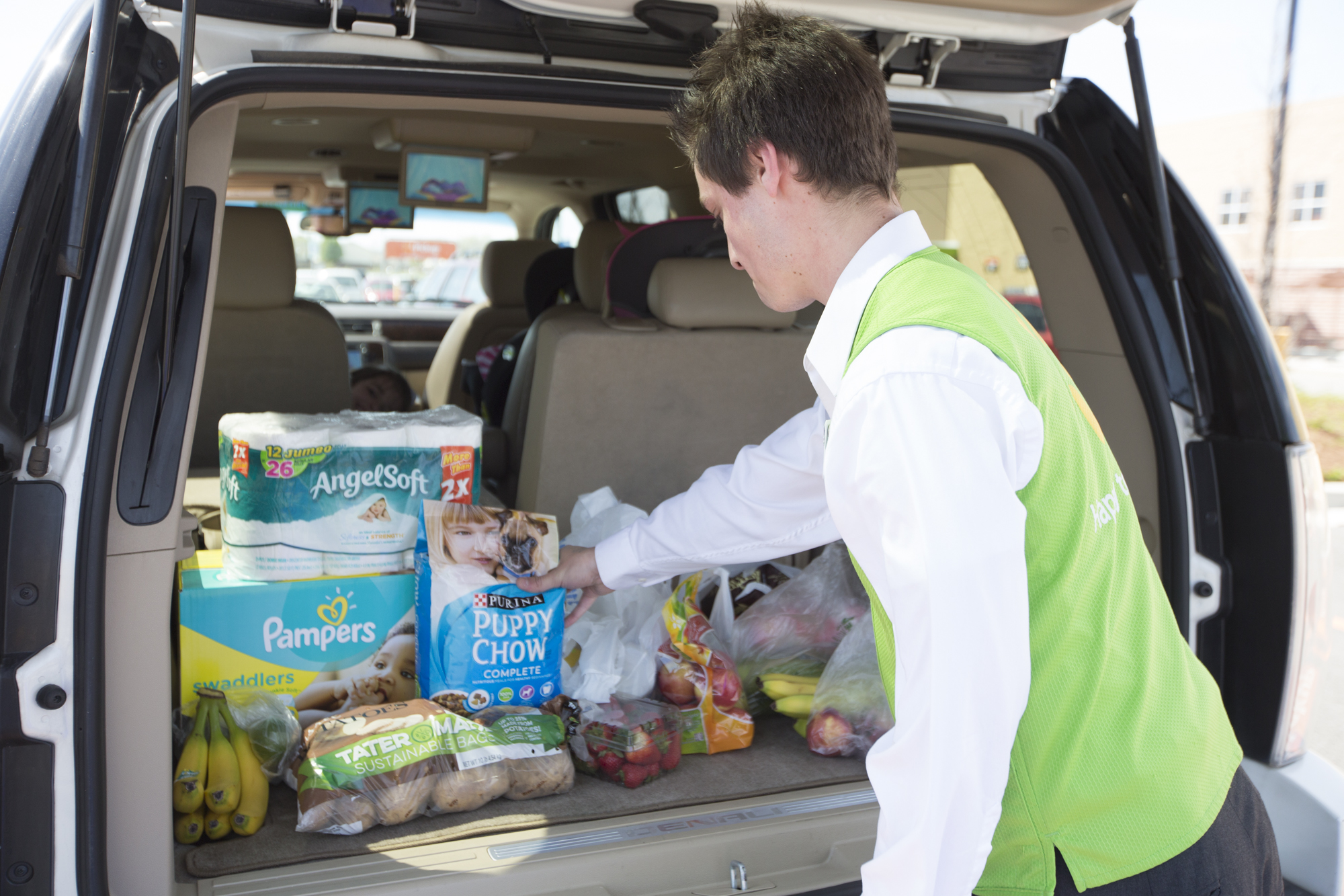 In Latest Amazon Jab Walmart To Expand Grocery Delivery To More