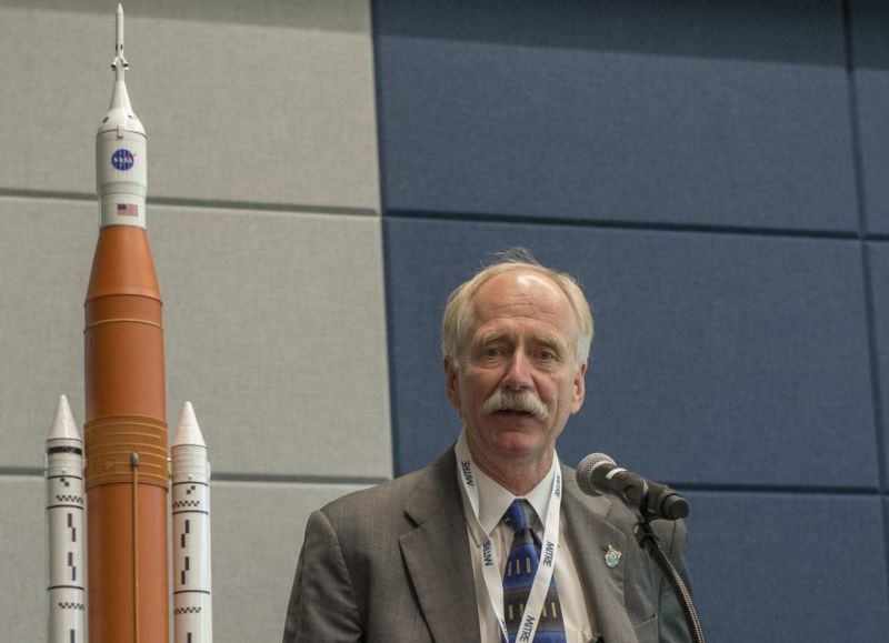 NASA chief explains why agency won't buy a bunch of Falcon Heavy rockets